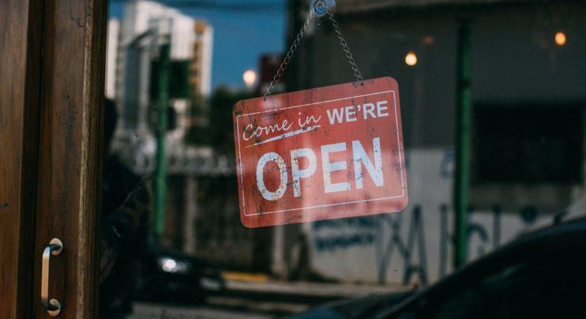 Qué son la licencia de actividad y licencia de apertura
